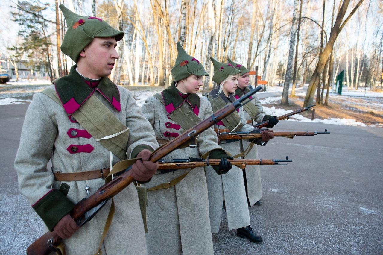 Занятия по штыковому бою на военно-полевых сборах